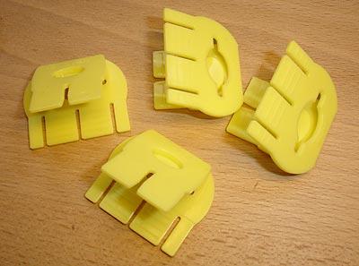 Fyra klips till ett block