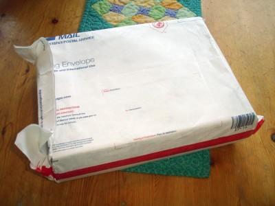 Inuti fanns ett stort tjockt kuvert