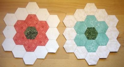 Mina två första hexagonblommor